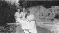 Ruth Wiles Rutland, Katherine Shanahan Williams, and Her Grandmother Pearl Shanahan
