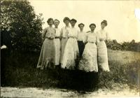 Group of Koreshan women