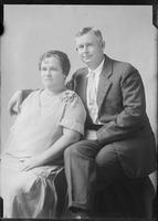 [Mr. Leon Andrews and family.]